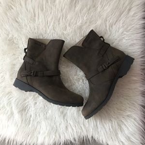 Teva delavina ankle leather boots 7.5